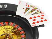 カジノのルーレット, ダイス, トランプをスピンします。分離されました。 — ストック写真