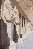 Kraliçe başına luxor .egypt at heykeli — Stok fotoğraf