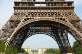 Beautiful view of The Eiffel Tower in Paris — Stock Photo
