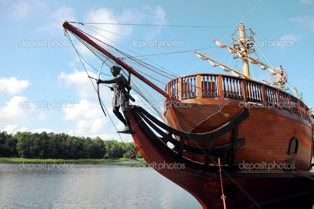 Pirate ship sailing — Stock Photo #6000796
