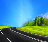 Road and blue sky — Stockfoto