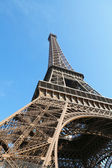 Eiffel tower on blue sky — Stock Photo