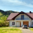 New house in the mountain — Stockfoto