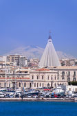 Siracusa cityscape with mount Etna — Stock Photo