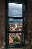 Sibiu genom fönster — Stockfoto