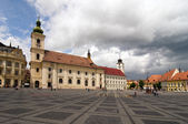 основные площади исторических архитектура в сибиу трансильвания румынии — Стоковое фото