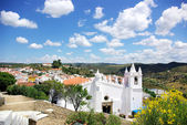 White church in Mertola, south of Portugal. — Stockfoto