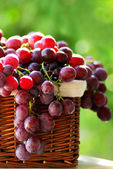 Red grapes in a basket. — Stock Photo