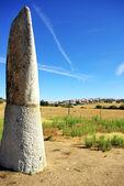 Pomnik megalitycznych, menir bulhoa, monsaraz — Zdjęcie stockowe