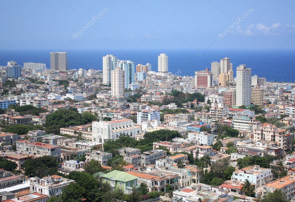 Aerial view of Vedado Quarter, modern part of the city, Havana, Cuba. Caribbean Sea in the background. — Stock Photo #5568438