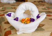 Towel Art: Basket with Flowers — Stock fotografie