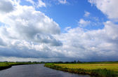 Small river in the netherland (friesland) — 图库照片