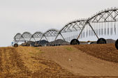 Pivot irrigation system ready to work — Stock Photo