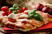 Pizza with Cherry Tomatoes and Buffalo Mozzarella — Stock Photo