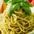 Spaghetti with pesto - 图库照片