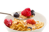 Corn flakes with berries - Isolated — Stockfoto