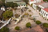 Hanoi ordu müzesi bahçesinde — Stok fotoğraf