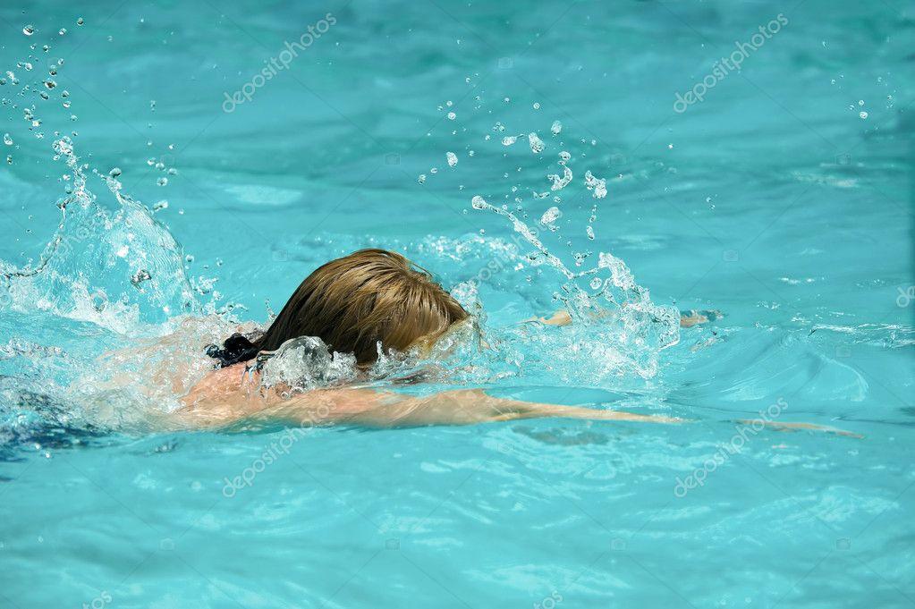 游泳运动员