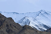 Top of High mountains, covered by snow. India. — Stockfoto