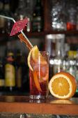 Dricka i paradiset — Stockfoto