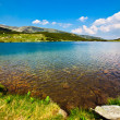 Glacial Lake Calcescu in Parang mountains, Romania — Stock Photo