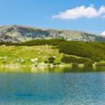 Glacial Lake Calcescu in Parang mountains, Romania — Stock Photo