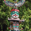 Colorful totem pole — Stock Photo