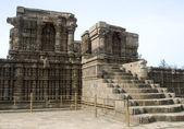 Stone stairway to pedestal — Foto de Stock