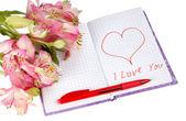 çiçekler bir kalp ve yazıt ile defter — Stok fotoğraf