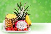 микс веселья тропических фруктов — Стоковое фото