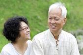アジアの年配のカップル — ストック写真