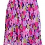 Цветное женское платье.