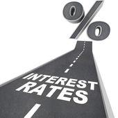 Weg naar hogere rente - woorden op straat — Stockfoto