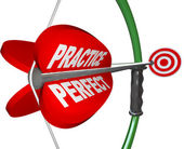 Practice Makes Perfect - Bow and Arrow Aimed at Bulls Eye — Stock Photo