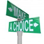 faire un choix entre 2 alternatives - signe de rue bidirectionnelle — Photo