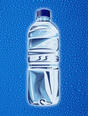 Bottle of mineral water — Stockfoto