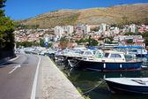 Porto e la città di dubrovnik — Foto Stock