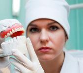 Frau zahnarzt — Stockfoto