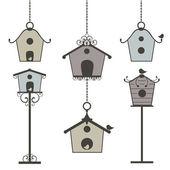Set of vintage birdhouses — Stock Vector