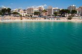 Emerald waters of Mediterranean Sea on Porto Cristo beach, Major — Stock Photo