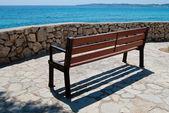 Empty seaviw bench in Cala Bona, Majorca, Spain — Стоковое фото