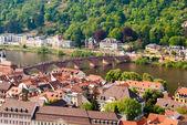 Starego miasta w heidelbergu, rzeki neckar i mostu — Zdjęcie stockowe