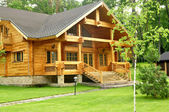 Beautiful wooden house — Stockfoto