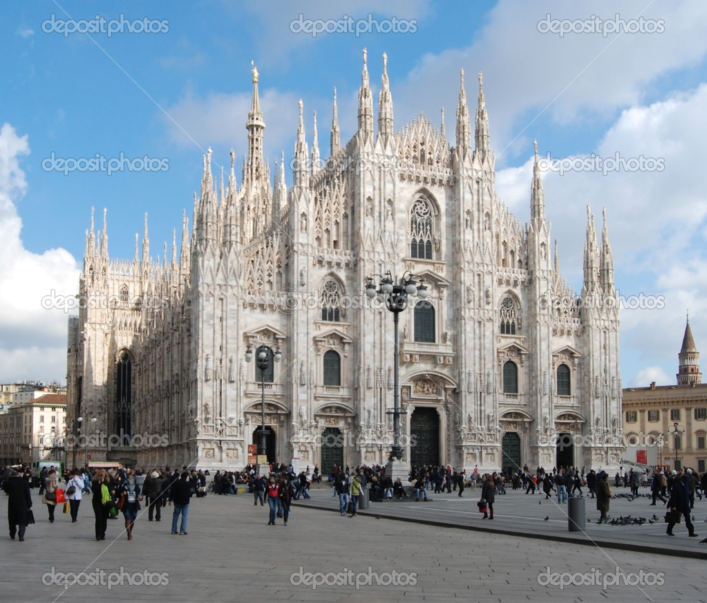 Milan Cathedral (Duomo di Milano) is the cathedral church of Milan in Lombardy, northern Italy.  — Stock Photo #6627243