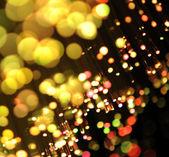 Bando de fibras ópticas dinamic voando do fundo, no fundo de tecnologia — Foto Stock