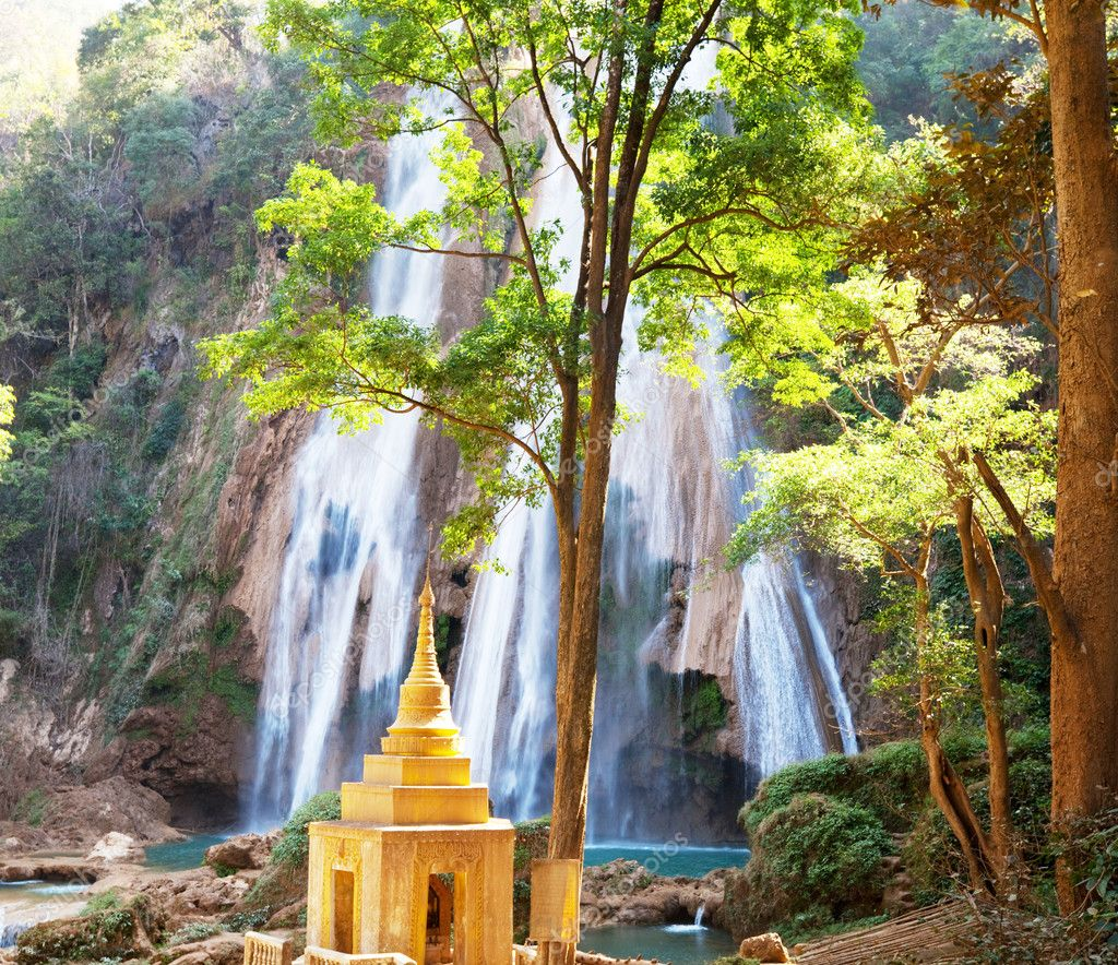 Waterfall in Myanmar — Stock Photo #5828657
