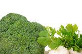 Broccoli e funghi isolati su bianco — Foto Stock
