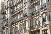 Fachada de um edifício em madrid — Foto Stock