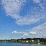 Suburban Executive Homes on Lake — Stock Photo #6053311