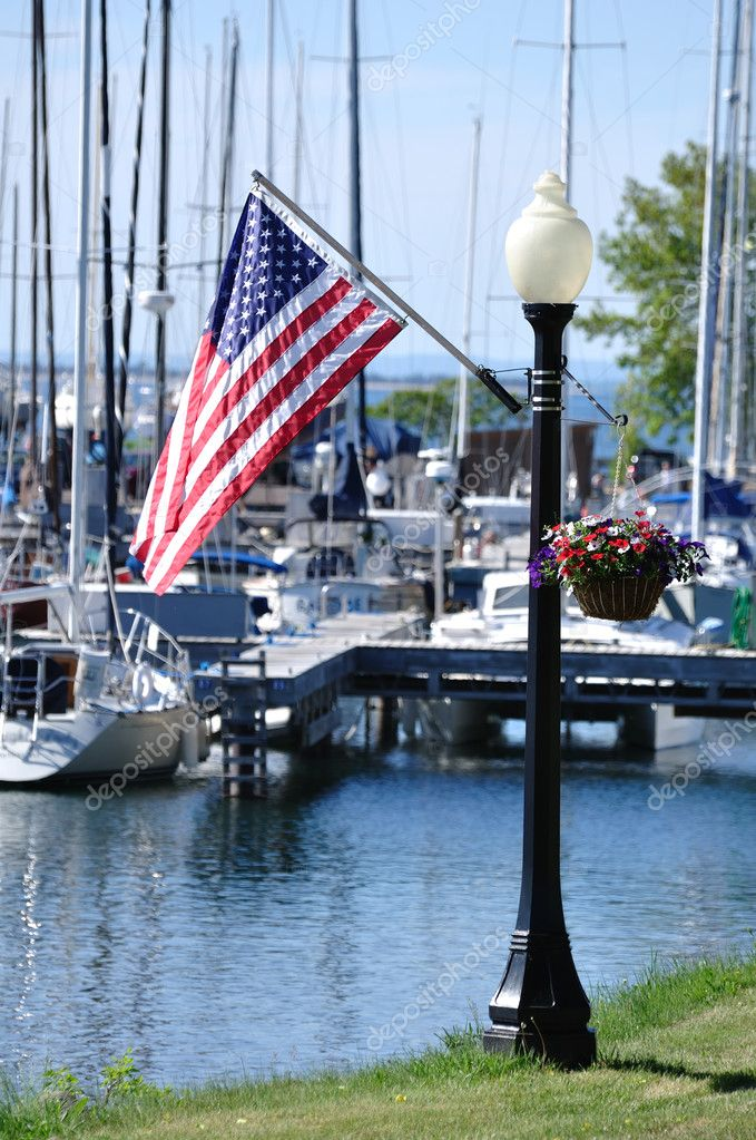 American Flag on Lamppost in Bayfield, Wisconsin — Stock Photo #6053221